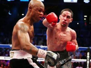 19-Danny-Garcia-punches-Zab